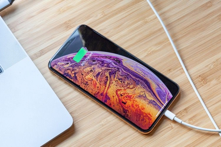 Un test rigoureux met la batterie des iPhoneXS en défaut