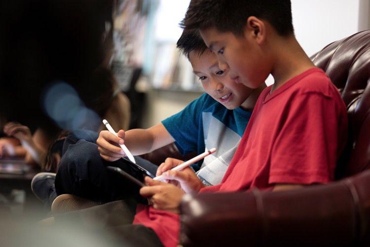 Apple offre des manuels pour créer avec ses appareils et logiciels