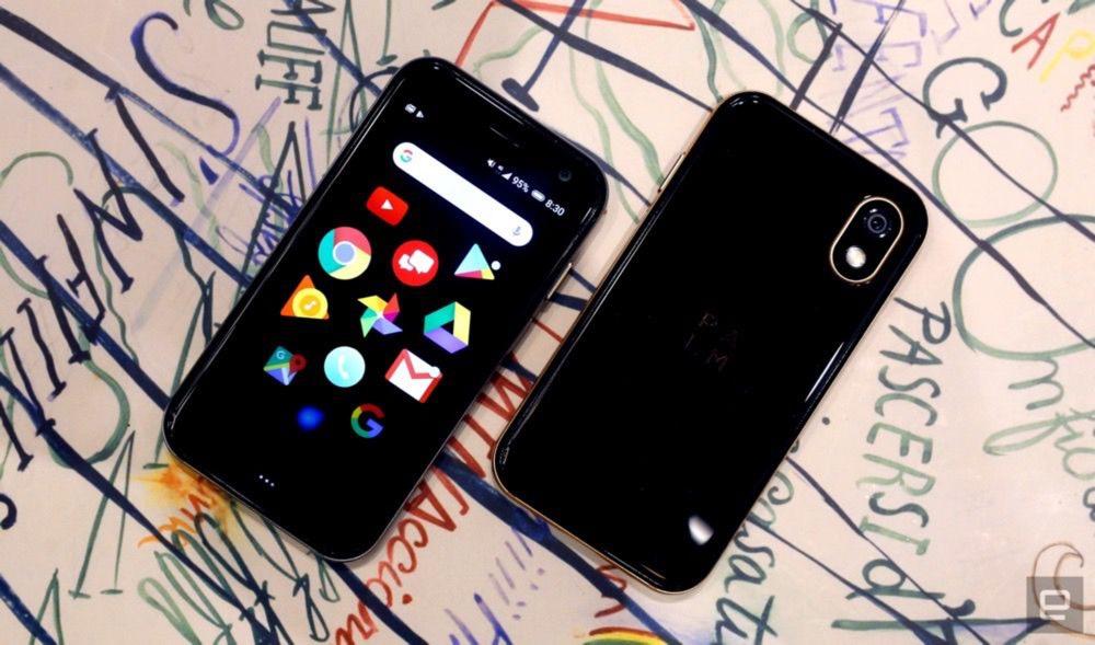 Le tout petit smartphone officiellement dévoilé — Palm