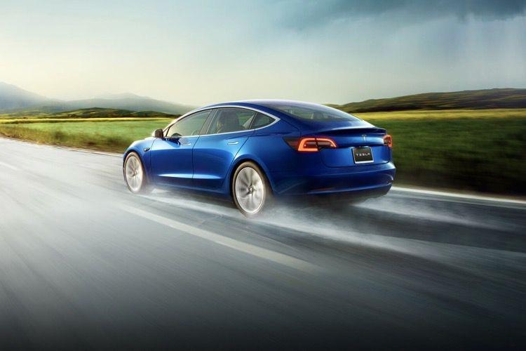 Tesla diminue légèrement le prix d'entrée de la Model3