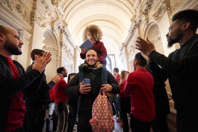 C'est le jour J pour l'Apple Store Champs-Élysées
