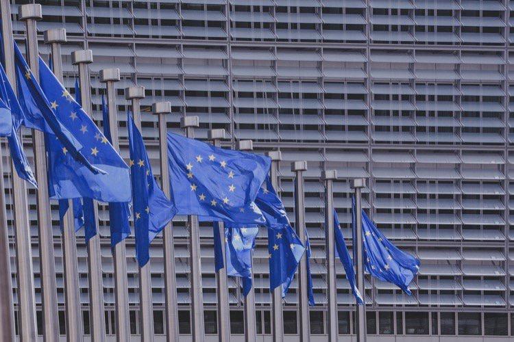 Menaces sur Google Actualités et YouTube : la directive européenne qui fâche Google