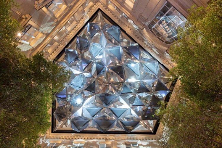 Apple Champs-Élysées marque les 10 ans de collaboration entre Apple et Foster