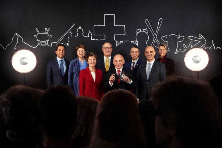 En Suisse, l'iPhone tire le portrait officiel du Conseil fédéral