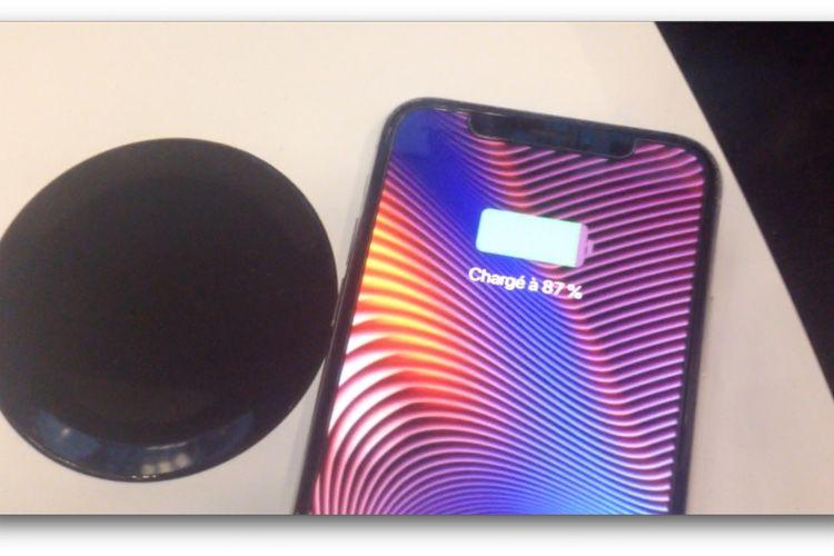 La Freebox Delta recharge l'iPhone pendant, facilement, 5secondes