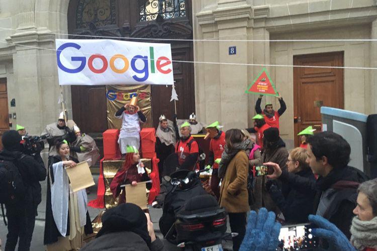 image en galerie : Attac joue les Robin des bois avec Google France