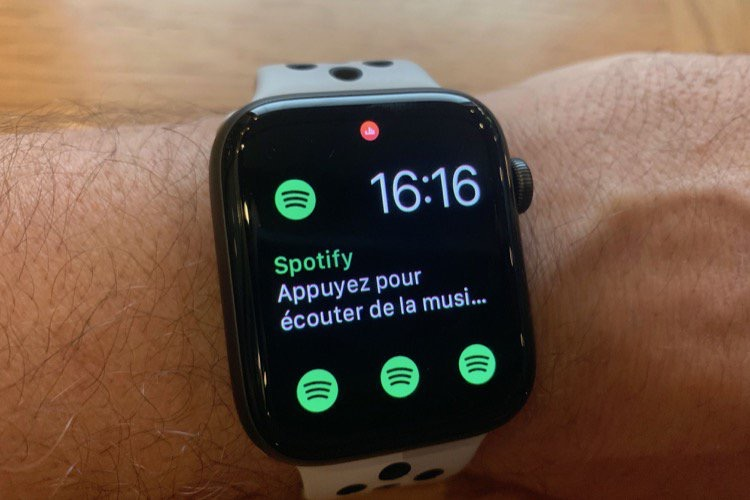 Spotify plein écran sur l'Apple Watch Series 4