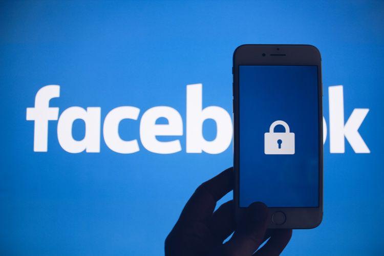 Facebook : grosse amende et menace de régulation pour le «bandit numérique »