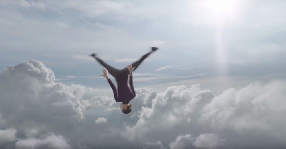 video en galerie : L'Apple Watch au septième ciel dans la dernière pub d'Apple