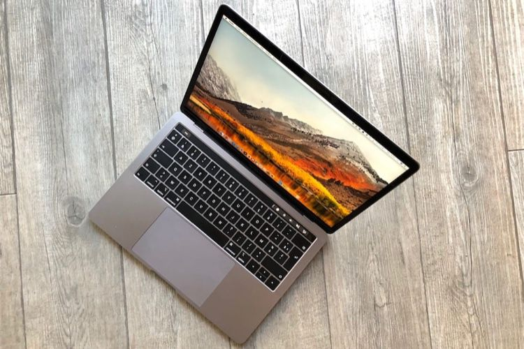 """Le MacBook Pro 13"""" Touch Bar à 1709€ sur Amazon"""