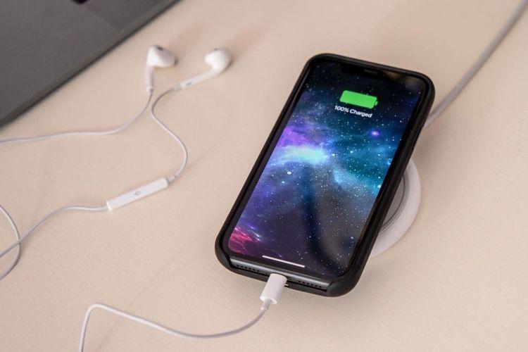 La coque-batterie de Mophie pour iPhone XR en vente à 99€