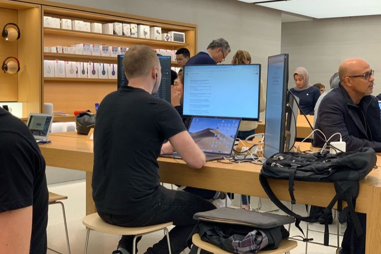 image en galerie : Il fallait y penser : l'Apple Store comme espace de coworking