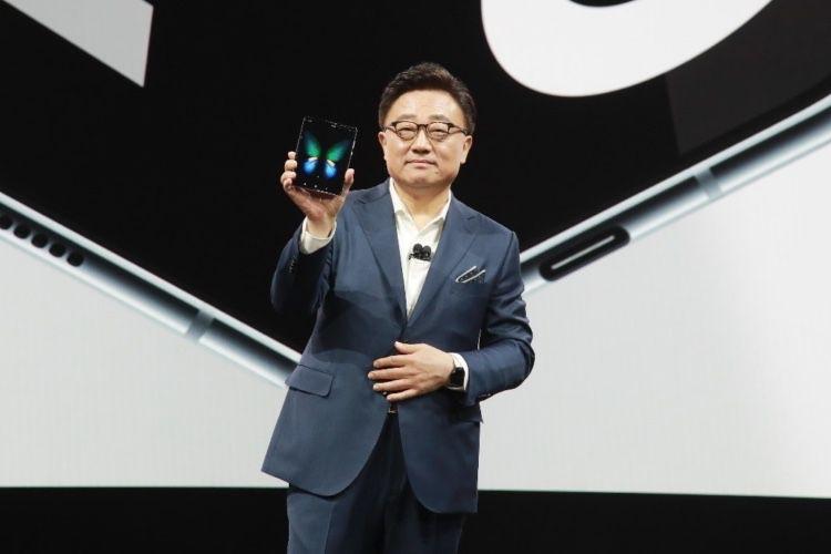Galaxy Fold : lancement le 3 mai en France au prix de 2020€