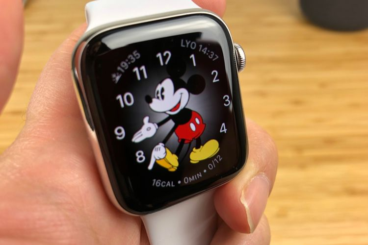 L'Apple Watch Series 5 conserverait un écran OLED