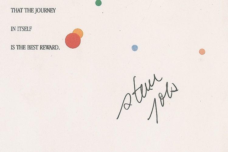 image en galerie : Une plaque anniversaire signée Steve Jobs aux enchères