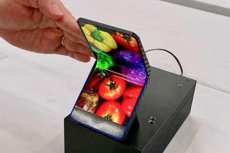 L'écran pliable de Sharp mettrait un grand téléphone dans une petite poche