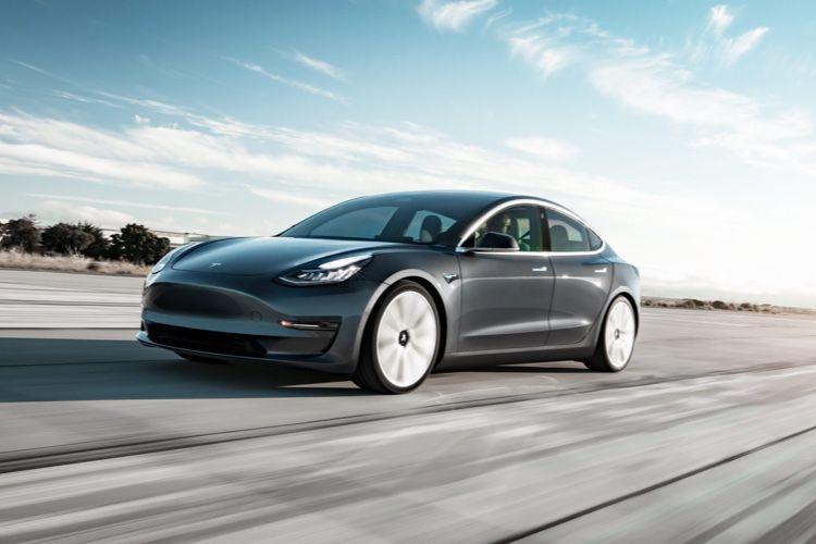 La Model 3 de Tesla commence à 42600€ en France
