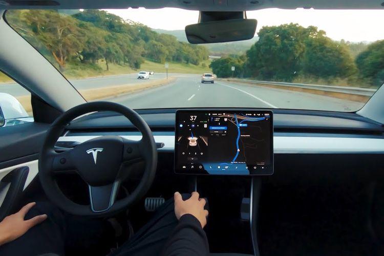 Tesla annonce ses nouvelles intentions pour la conduite autonome