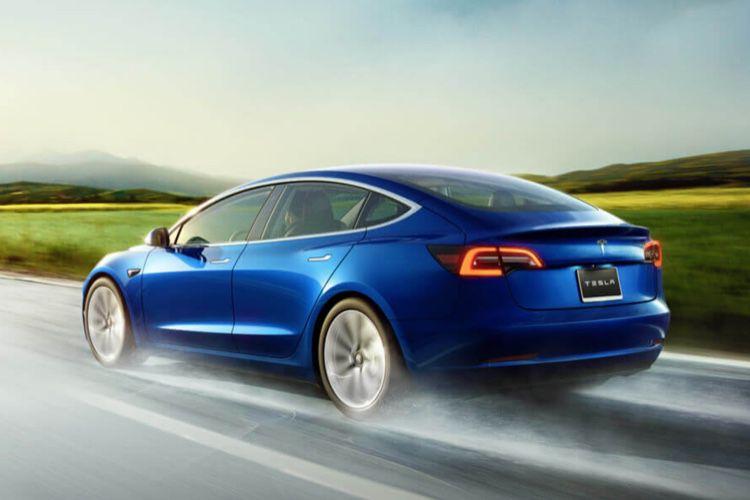 Apple aurait cherché à acquérir Tesla en 2013, d'après un analyste