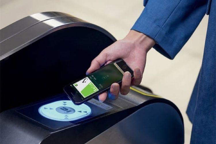 À Bruxelles, on pourra payer le ticket de métro avec Apple Pay l'année prochaine
