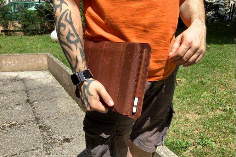 Aperçu de l'étui en cuir Decoded pour iPad