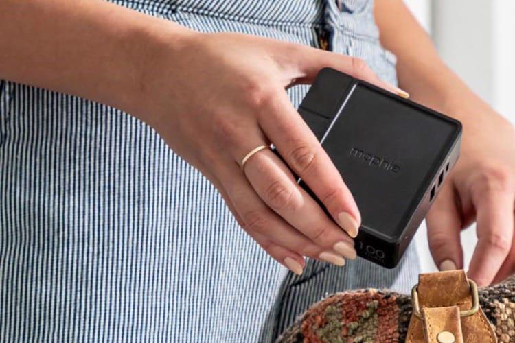 Mophie : le Powerstation Hub est un chargeur USB, une batterie et un tapis de recharge Qi
