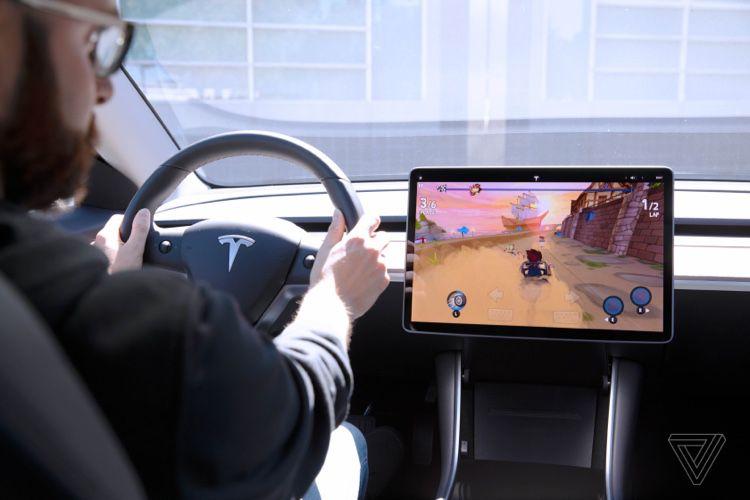 La Model3 de Tesla est (aussi) une console de jeu