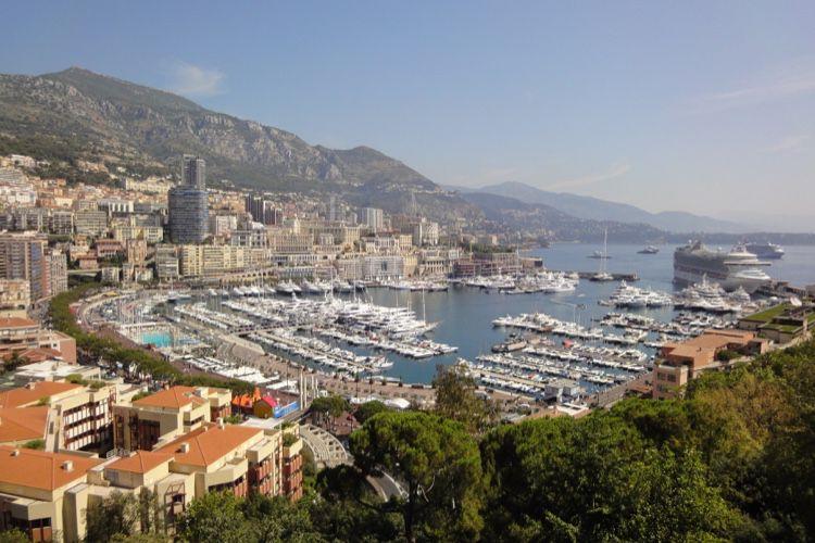 Saint-Marin ou Monaco : mais enfin, qui a eu la 5G en premier?