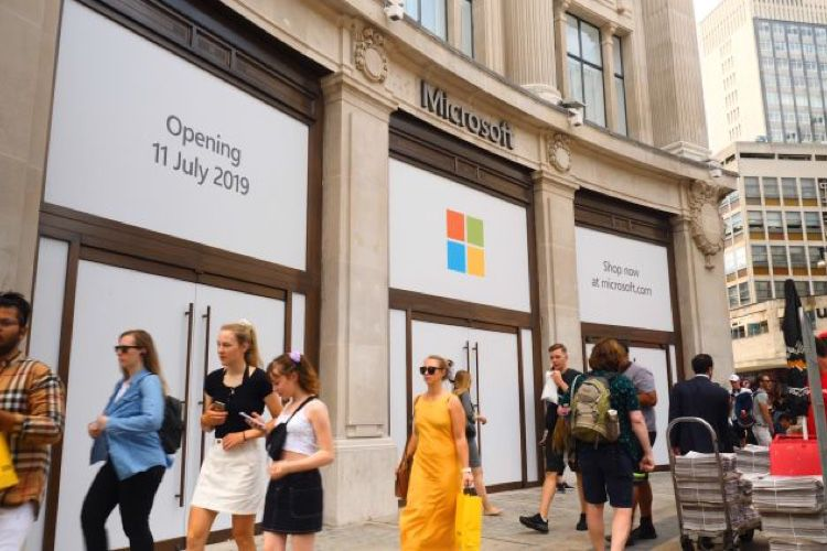 video en galerie : Microsoft ouvre son premier Store en Europe
