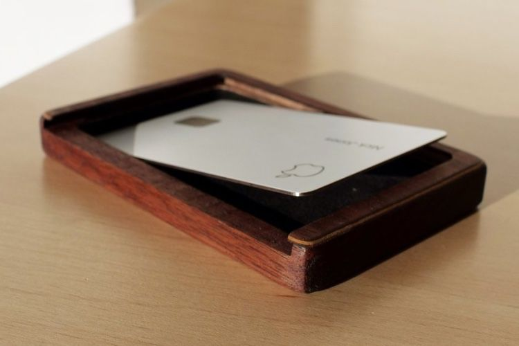 image en galerie : Enfin un boîtier de protection pour l'Apple Card😅