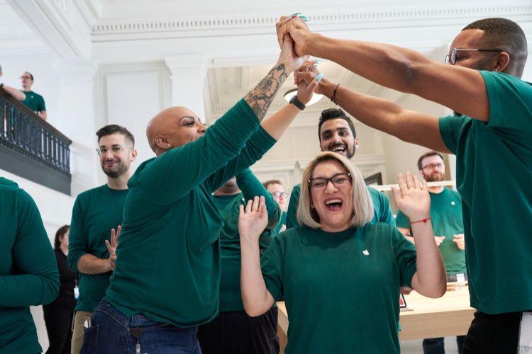 Apple fait valoir ses 2,4 millions d'emplois directs et indirects aux États-Unis