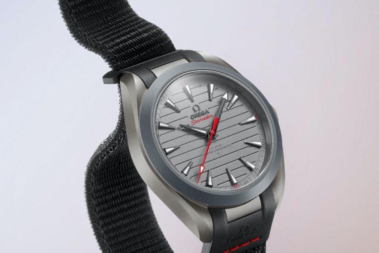 image en galerie : La nouvelle Omega a un joli bracelet Boucle Sport