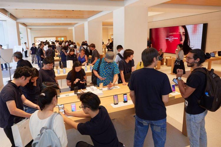 iPhone 11 (Pro Max) : du stock en magasin, des délais en ligne…