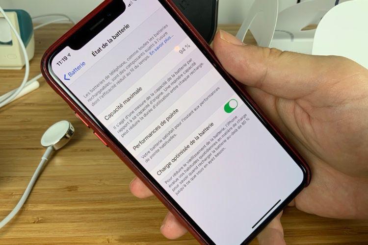 Les nouveaux iPhone gèrent mieux les batteries qui vieillissent