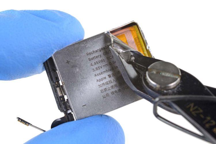 La batterie de l'AppleWatch Series 5 de 40 mm est très bien protégée