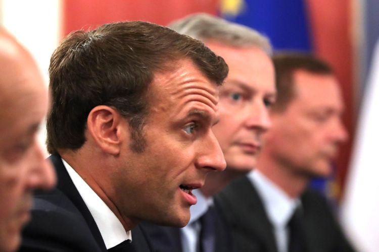Emmanuel Macron flique ses ministres avec une app mobile