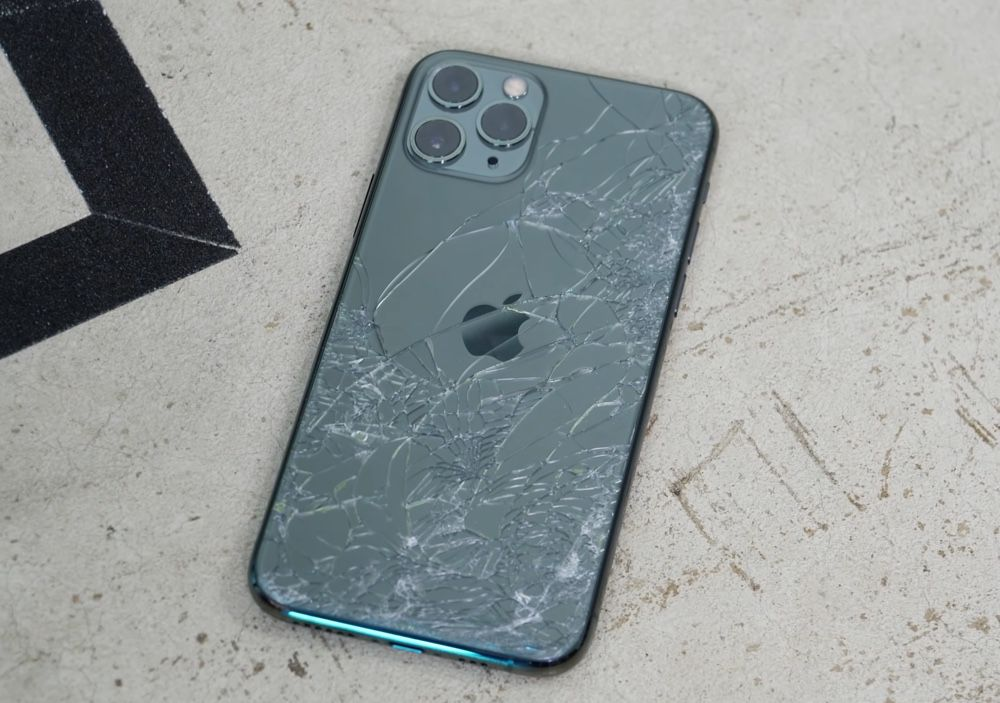 Le verre des iPhone 11 est plus résistant, mais casse toujours ...