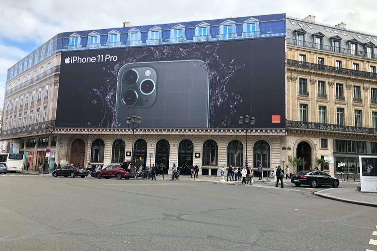 image en galerie : L'iPhone 11 Pro s'affiche en grand à Paris
