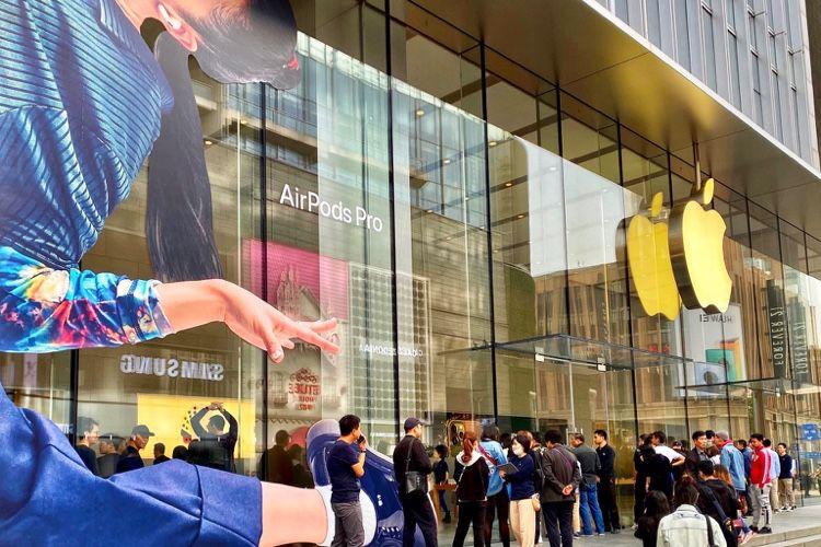 image en galerie : Un petit peu de monde pour le lancement des AirPods Pro à Shanghai et ailleurs 🆕