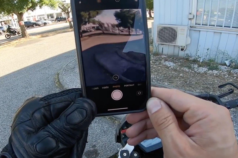 La stabilisation optique des iPhone n'aime pas toujours les sorties en moto