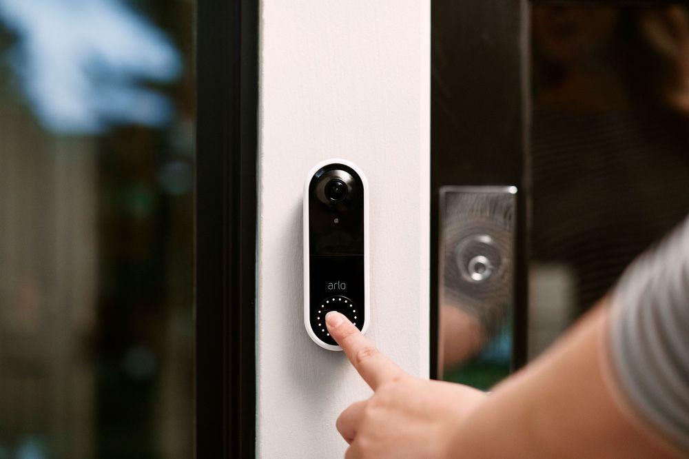 arlo video doorbell une sonnette qui passe des coups de. Black Bedroom Furniture Sets. Home Design Ideas