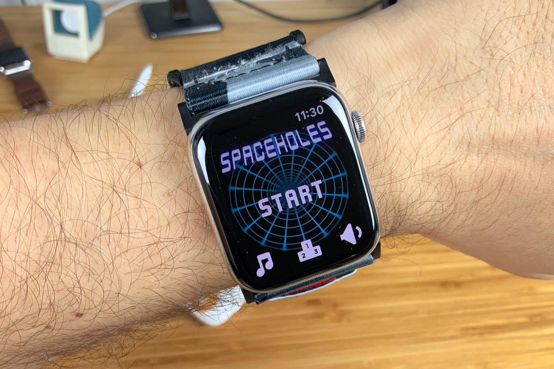 Spaceholes!, un petit jeu de tir gratuit pour AppleWatch