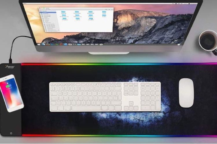 Le tapis de souris qui recharge votre iPhone!