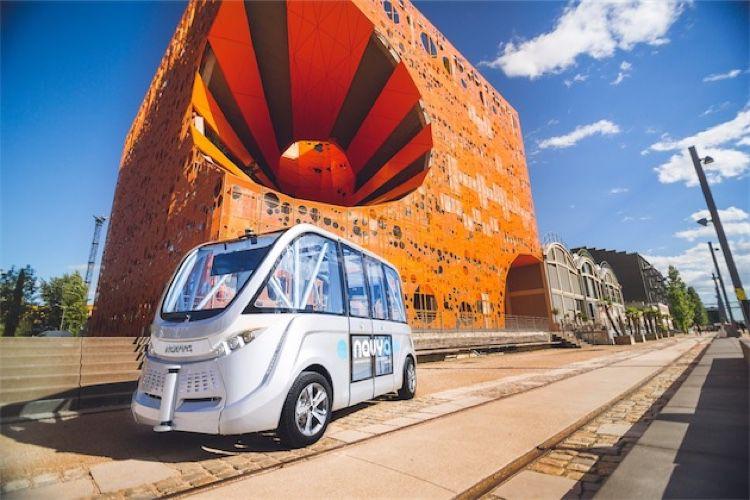 Des navettes autonomes en circulation à Lyon, Paris et prochainement à l'ApplePark
