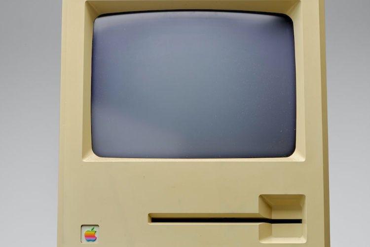 Aux enchères, une disquette Steve Jobs et un Macintosh Twiggy vendus très cher
