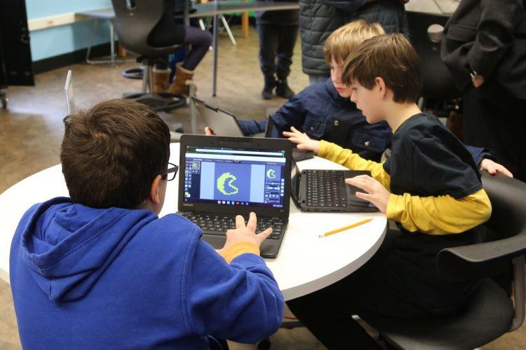 Éducation: l'iPad se fait piquer sa place par les Chromebook
