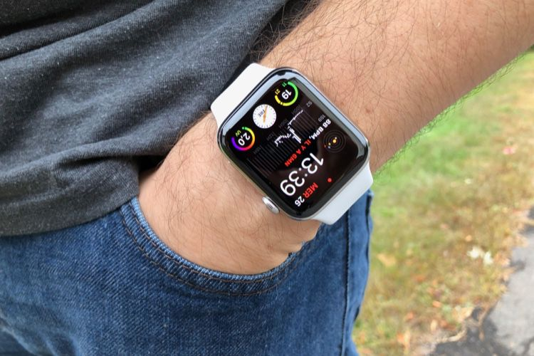 Promo : l'Apple Watch Series 4 cellulaire 44 mm à 329 € chez SFR
