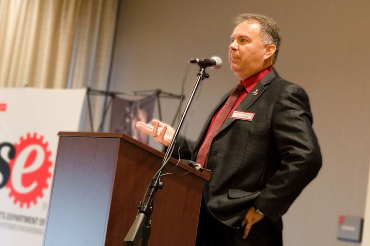 Tony Blevins, l'homme qui chasse les coûts chez les fournisseurs d'Apple