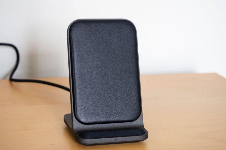 Mini-test du chargeur sans fil Base Station Stand de Nomad