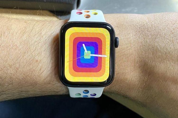 """AppleWatch : les bracelets """"Pride Edition"""" en photos et vidéo"""